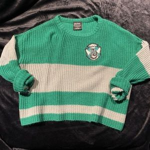 HOT TOPIC X HARRY POTTER slytherin crop sweather